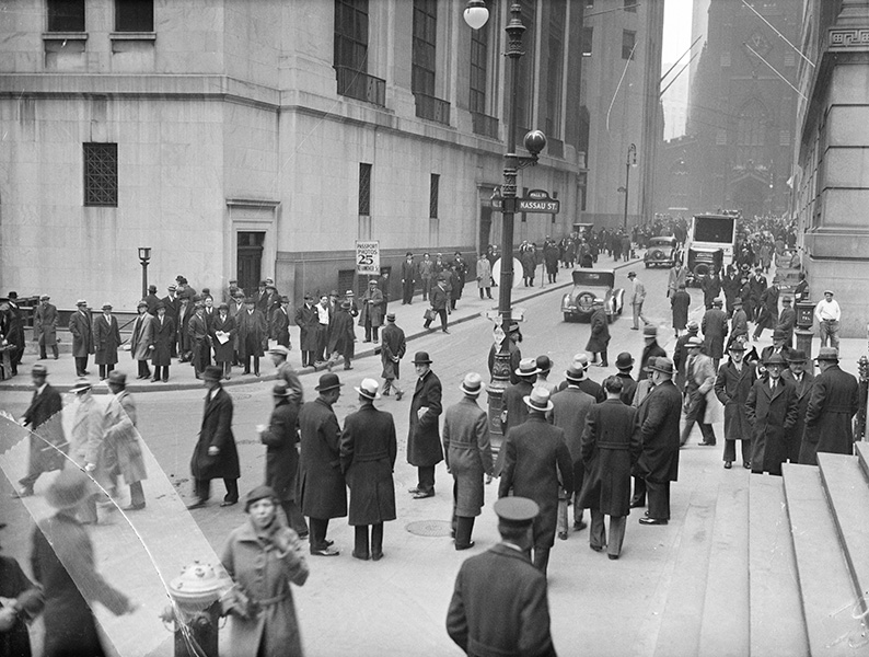Crowds on Wall Street Depositing Money