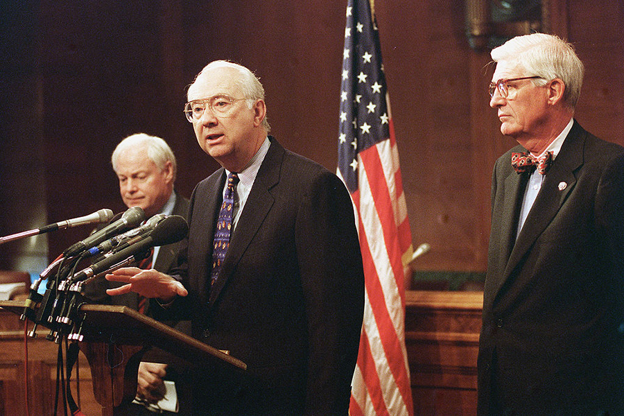 Jim Leach, R-Iowa, Phil Gramm, R-Texas, and Thomas J. Bliley Jr., R-Va., during a press conference on their compromise bill.